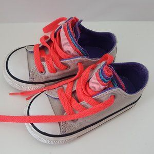 Toddler Converse Shoes w/ Multicolored tongue Sz 6